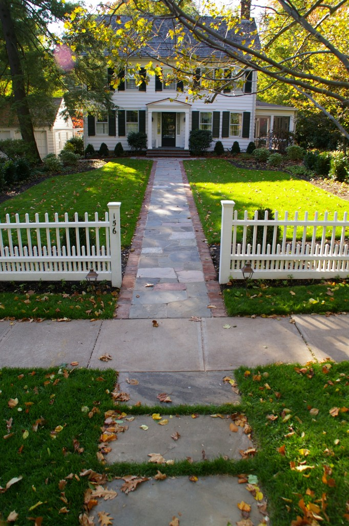 The implementation of an accent hardscape can dress up even the most simplest of walkways.