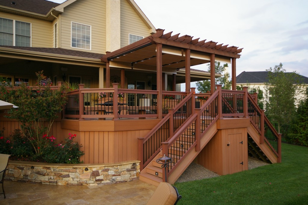 A deck should compliment the housing structure but it is should also be able to stand on its own. It should look appealing but also provide some functionality for an outdoor living space.