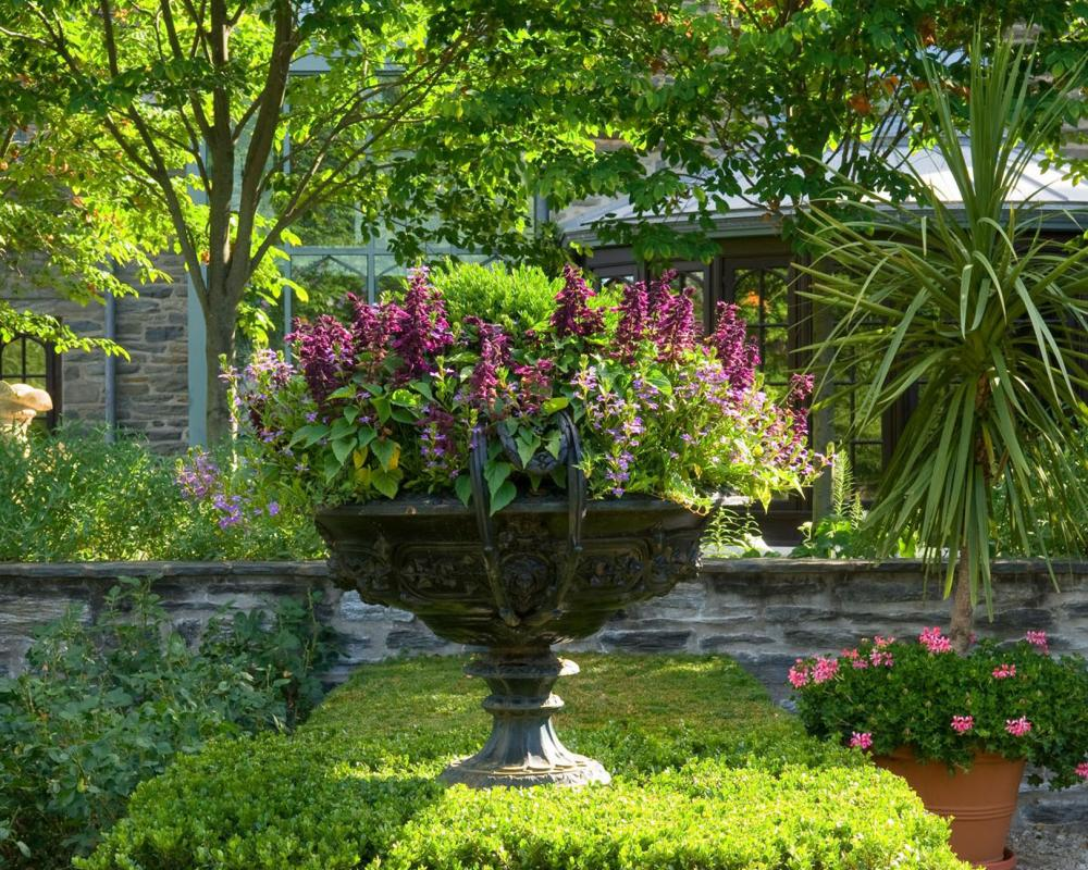 Landscape Containers Pots And Urns