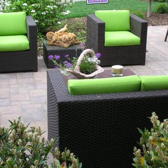 outdoor furniture_paver-patio