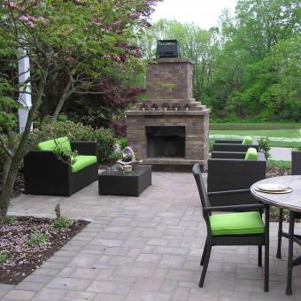 outdoor-fireplace-paver-patio-coopersburg